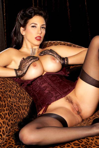 Model Jelena Jensen in Pin-Up Princess