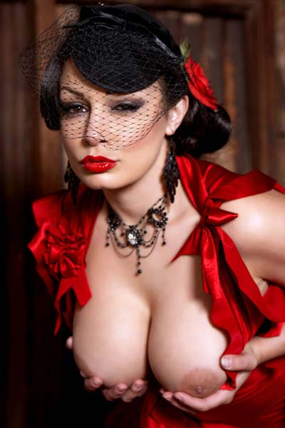 Model Aria Giovanni in Clementine