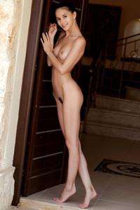 Model Leona Mia in Warm Welcome