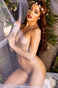 Model Vanna Bardot in Forest Princess